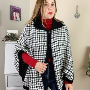 La Llama Alpaca Wool Blend Houndstooth Cape